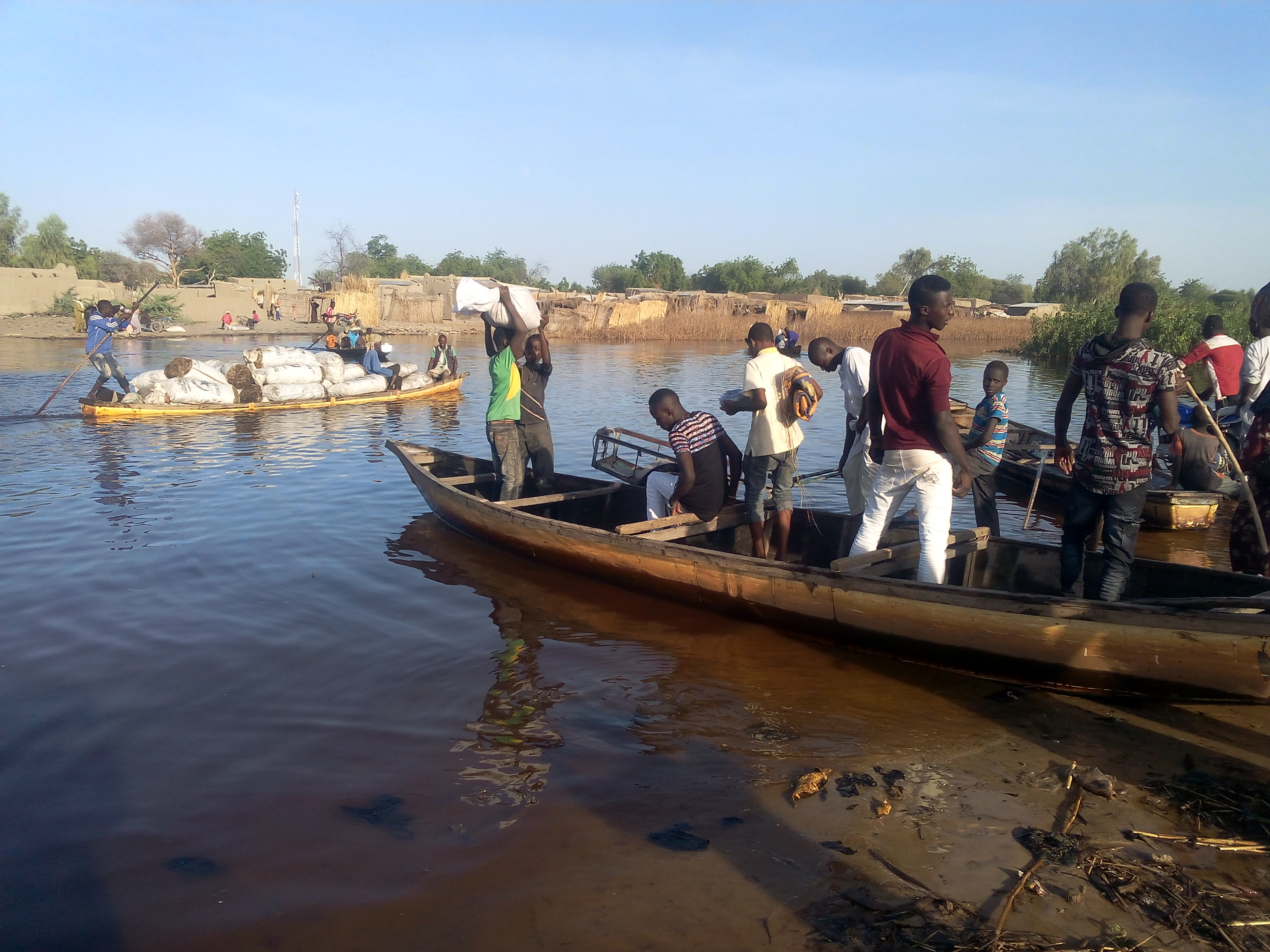 Navigation and transactions on the Lake Chad, ©REACH/2017