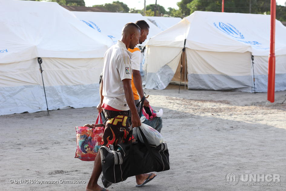 Venezuelans arrive to be registered at a newly opened reception site, Nova Canaã in Boa Vista, in partnership with the Federal Government, Brazilian Army and Boa Vista Municipality in late-April 2018. Sixty-five UNHCR tents were set up to welcome the 339 people the shelter received on the first day. ©UNHCR