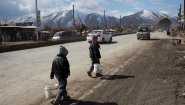 Afghanistan: Displaced children face higher risk of child labour and marriage